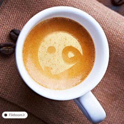 موک آپ فوق العاده لوگو در فنجان قهوه