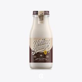 موکاپ لایه باز بطری شیشه ای شیر