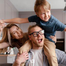 4 عکس با کیفیت خانواده خوشحال